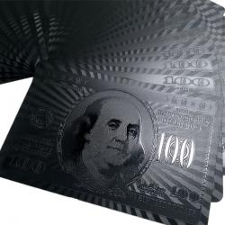 Černé hrací pokerové karty